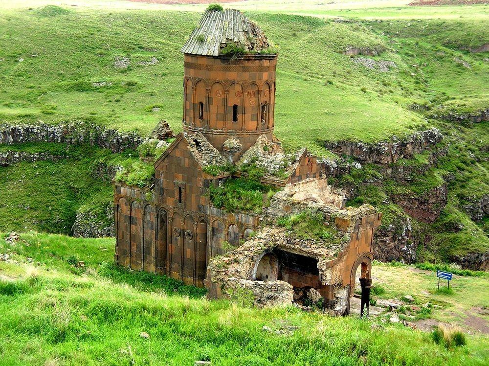 ani-ruined-churches-22