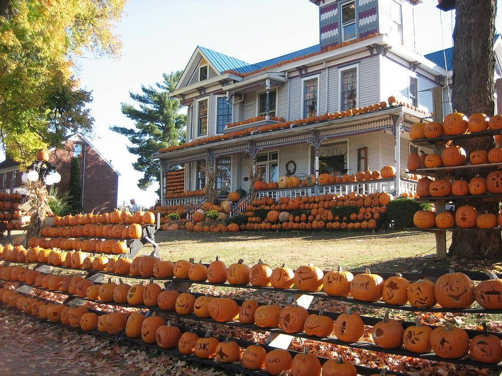 kenova-pumpkin-house-12